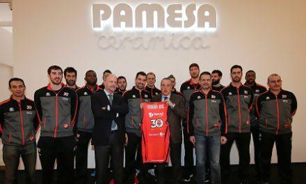Valencia BC ha visitado el stand de Pamesa Cerámica en Cevisama