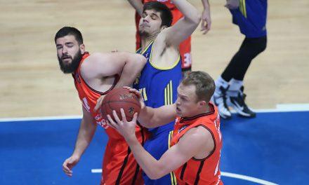 Khimki arrolla a un Valencia Basket blando e iguala la eliminatoria (98-74)