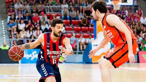 El Baskonia triunfa en su partido 200 en el Playoff de la Liga Endesa