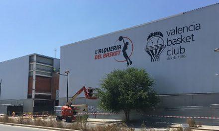 L'Alqueria del Basket ultima la imagen de su fachada exterior