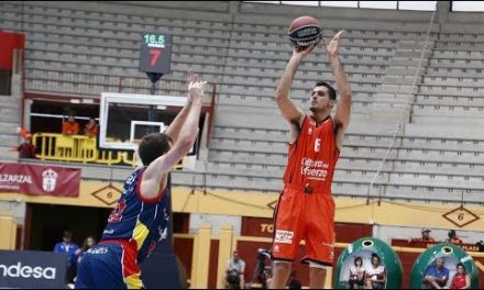 Alberto Abalde debuta como jugador taronja