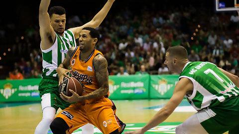 Valencia Basket, con un Green estelar, arranca con triunfo en Sevilla (80-90)