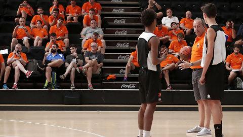 Conviértete en entrenador de la mano de Mas Camarena y Valencia Basket