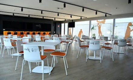 La cafetería de L'Alqueria, punto de encuentro para ver los partidos de VBC