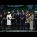 Valencia Basket recibe el premio al Valenciano de Honor