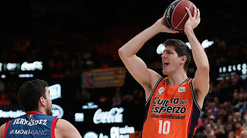 San Emeterio lidera la victoria del Valencia Basket en la prórroga (89-87)