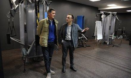 Marin Sedlacek (Philadelphia 76ers) visita L'Alqueria del Basket
