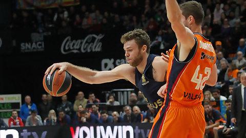 Valencia BC supera al mal inicio ante Fenerbahçe pero sucumbe a su defensa