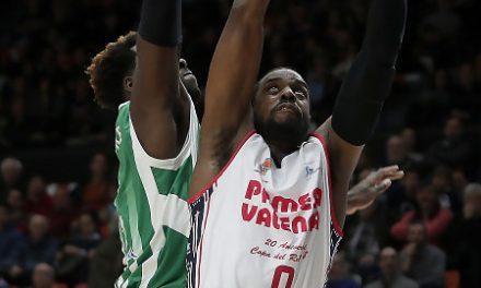 Valencia Basket se da un doble homenaje ante el Betis Energía Plus (103-67)