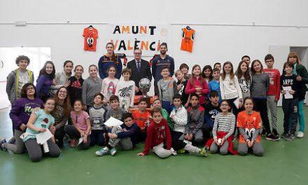 Antoine Diot y Renee Bennett celebran el Dia de l'Esport en Llombai