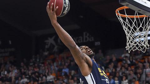 Un sólido UCAM Murcia sorprende al Valencia Basket (73-84)