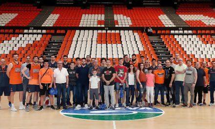 Ganadores del concurso de Endesa visitan el entrenamiento del Valencia BC