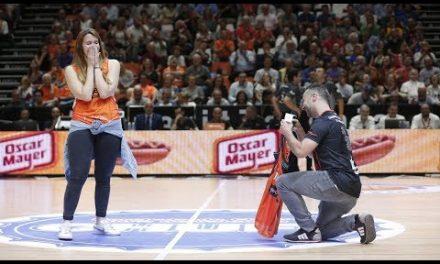 Nacho le pide matrimonio a Olga en la Fonteta