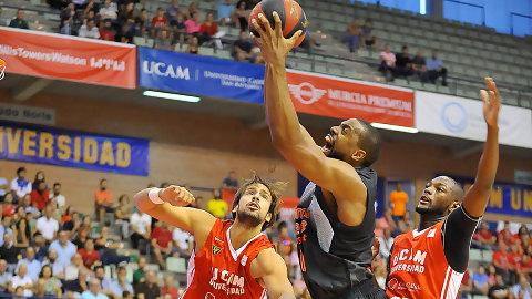 Valencia Basket, con un imperial Will Thomas, se estrena en Murcia (68-81)