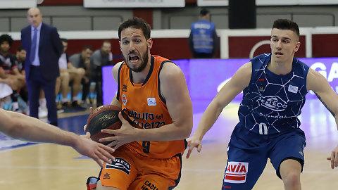 San Emeterio rescata al Valencia Basket en San Sebastián (66-67)