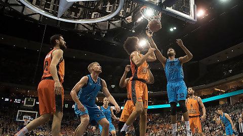 El Valencia Basket cae en la prórroga y volverá a la Fonteta (95-92)