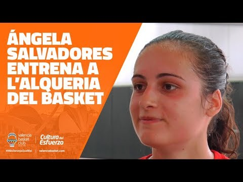 Ángela Salvadores entrena en L'Alqueria del Basket