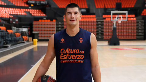 Luka Mitrovic se suma a la pretemporada de Valencia Basket
