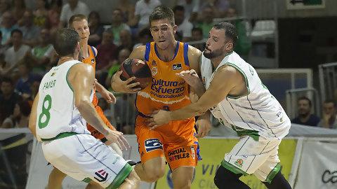 Valencia Basket abre la pretemporada ganando en Castellón (48-81)
