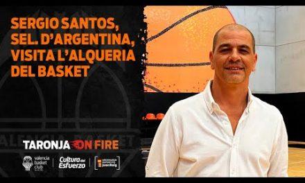 El seleccionador de Argentina, Sergio 'Oveja' Hernández, visita L'Alqueria del Basket