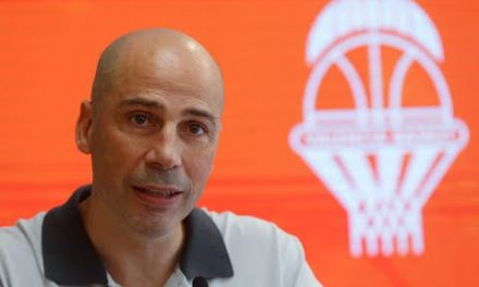 Comparecencia completa de Joan Peñarroya como nuevo entrenador taronja (con preguntas)